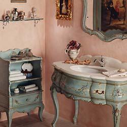 Mobile bagno classico in stile veneziano intagli e finiture di pregio, decorato a mano per un bagno di lusso